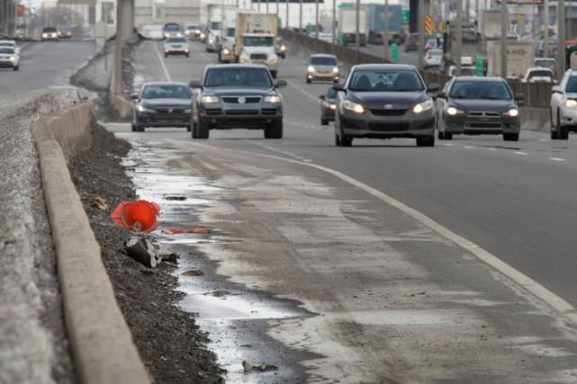 Ramassage des déchets le long des routes: les coûts augmentent