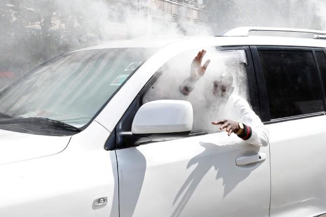 Des gaz lacrymogène dans une auto, ça n'est... (PHOTO REUTERS)