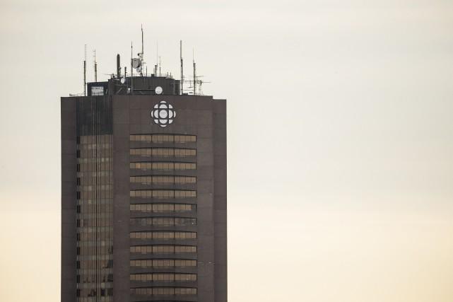 Le syndicat des Communications de Radio-Canada déplore l'abolition de 17postes... (PHOTO OLIVIER PONTBRIAND, ARCHIVES LA PRESSE)