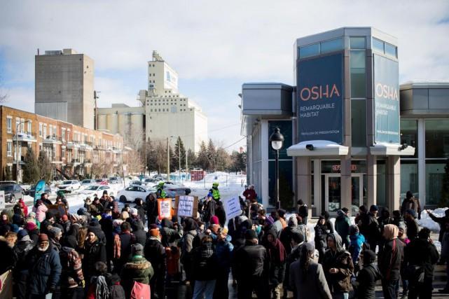 Le 16 février dernier, à l'ouverture des bureaux... (PHOTO SARAH MONGEAU-BIRKETT, LA PRESSE)