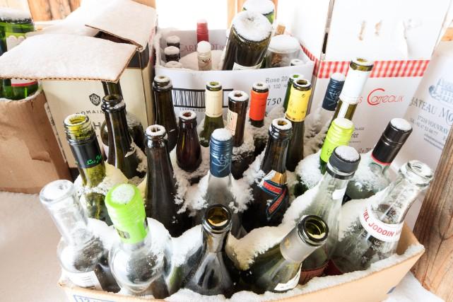 Seulement 14% du verre récupéré est ensuite recyclé... (PHOTO HUGO-SÉBASTIEN AUBERT, ARCHIVES LA PRESSE)