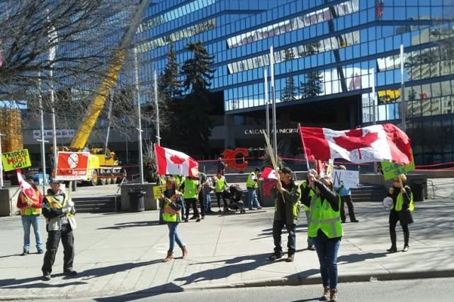 «On n'en entend pas tellement parler au Québec,... (PHOTO TIRÉE DU COMPTE FACEBOOK DE YELLOW VESTS CANADA)