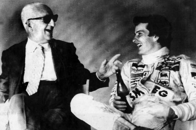 Enzo Ferrari et le pilote Gilles Villeneuve ... (PHOTO UPI)