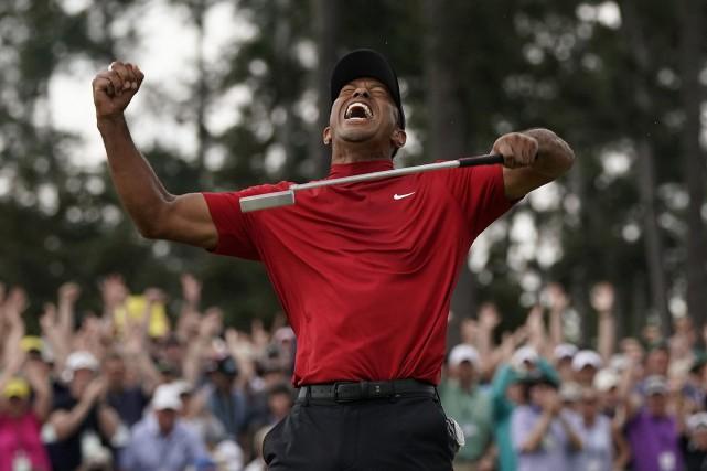 Tiger Woods remporte le Tournoi des Maîtres