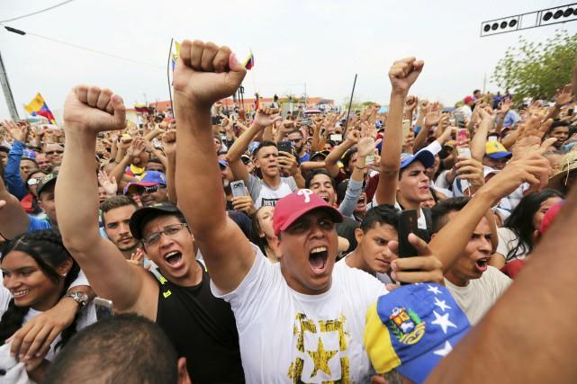 Le secrétaire d'État américain Mike Pompeo a appelé dimanche le président... (PHOTO FERNANDO LLANO, AP)