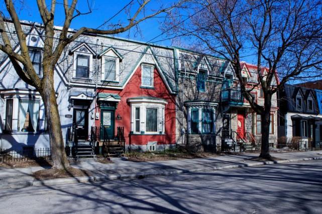 Le quartier Pointe-Saint-Charles est situé tout près du... (PHOTO ALAIN ROBERGE, LA PRESSE)