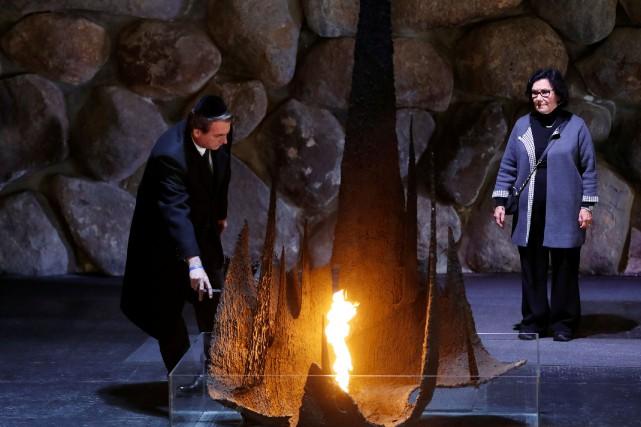 Peu après avoir visité Yad Vashem lors de... (PHOTO REUTERS)