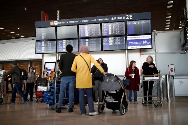 L'aéroport Charles de Gaulle... (PHOTO BENOIT TESSIER, REUTERS)
