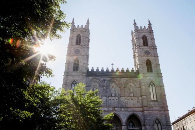 La basilique Notre-Dame... (PHOTO ALAIN ROBERGE, ARCHIVES LA PRESSE)