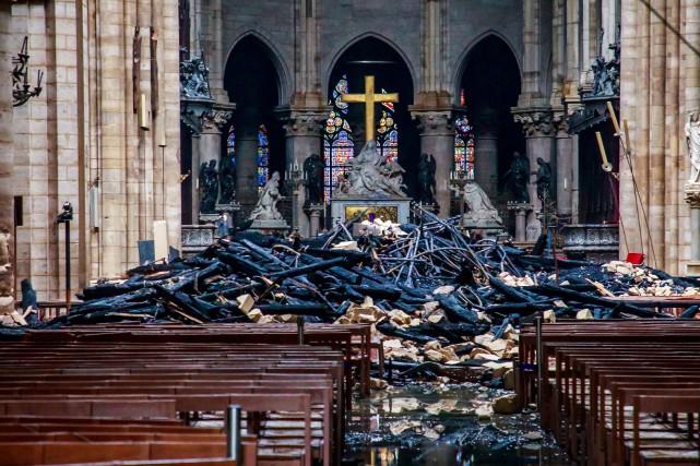 Plusieurs personnalités ont profité de l'incendie de Notre-Dame... (PHOTO REUTERS)