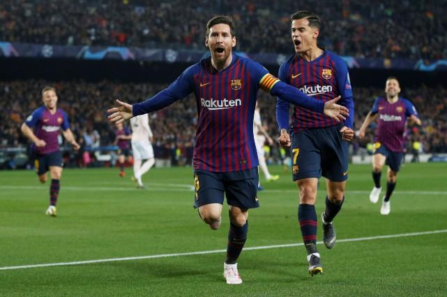 Lionel Messi (au centre) a marqué deux buts... (PHOTO CARL RECINE, REUTERS)