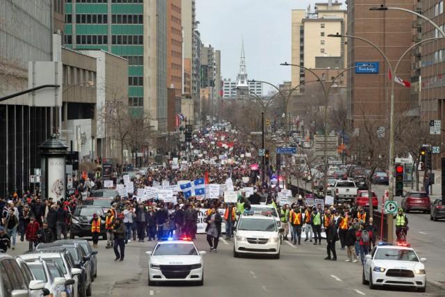 La manifestation du 7avril dernier à Montréal contre... (PHOTO ROBERTSKINNER, ARCHIVES LA PRESSE)
