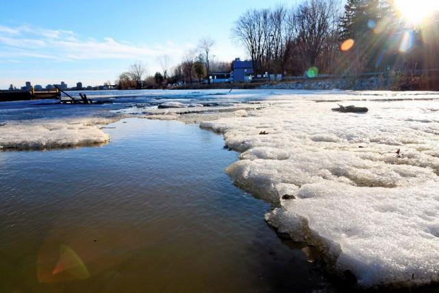 Combinée à la fonte des neiges au centre... (PHOTO ÉTIENNE RANGER, LE DROIT)