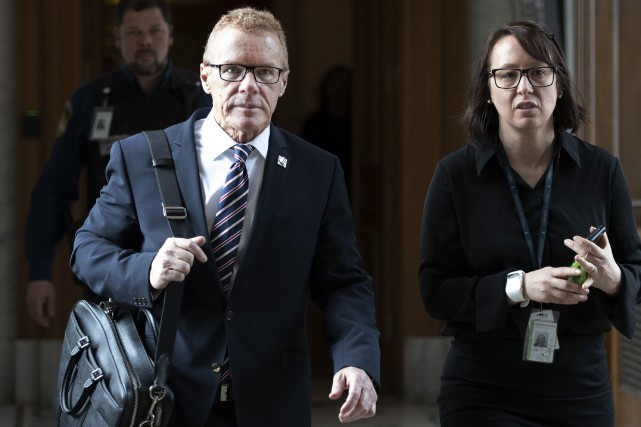 Jean Boulet et son attachée de presse Caroline... (PHOTO JACQUES BOISSINOT, THE CANADIAN PRESS)