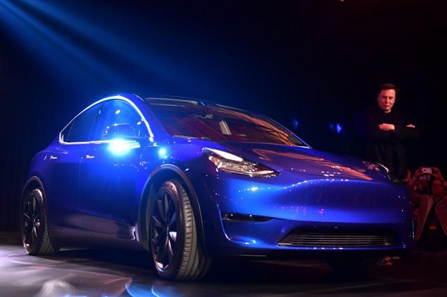 Le patron de Tesla Elon Musk a présenté... (PHOTO FREDERIC J. BROWN, AFP)