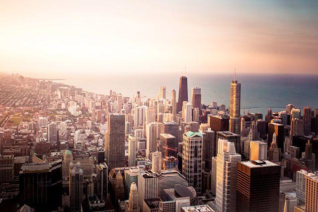 Avec un record de 57 millions de visiteurs l'an dernier, Chicago voit grand et...