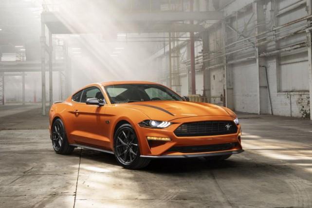 Voici la Mustang EcoBoost High Performance, un nouveau... (PHOTOS FORD)