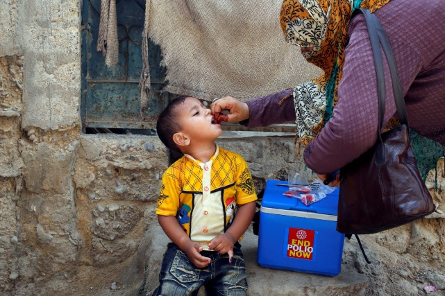 Lundi, quelque 25000 enfants avaient été transportés d'urgence... (PHOTO REUTERS)