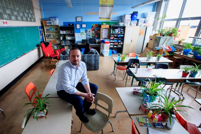 Patrick Trottier, enseignant à l'école primaire Saint-Étienne... (PHOTO ALAIN ROBERGE, LA PRESSE)