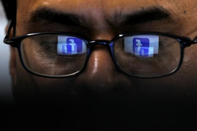 Le Pakistan a demandé à Facebook de retirer tout contenu hostile au vaccin... (PHOTO AKHTAR SOOMRO, ARCHIVES REUTERS)
