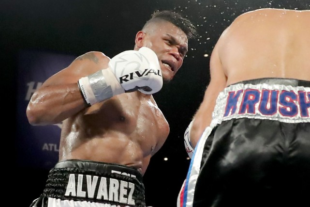 Eleider Alvarez souhaitait remonter dans le ring le... (PHOTO ELSA, ARCHIVES AGENCE FRANCE-PRESSE)