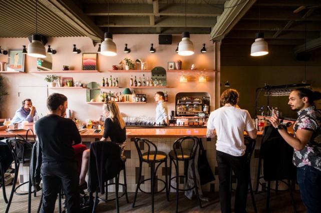 Le Bar Pamplemousse, boulevard Saint-Laurent... (PHOTO OLIVIER PONTBRIAND, ARCHIVES LA PRESSE)