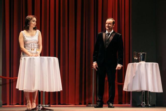 AlexandraCyr et Rémi-PierrePaquin dans Le schpountz... (PHOTOFRANÇOIS LAPLANTE DELAGRAVE, FOURNIE PAR LE RIDEAU VERT)