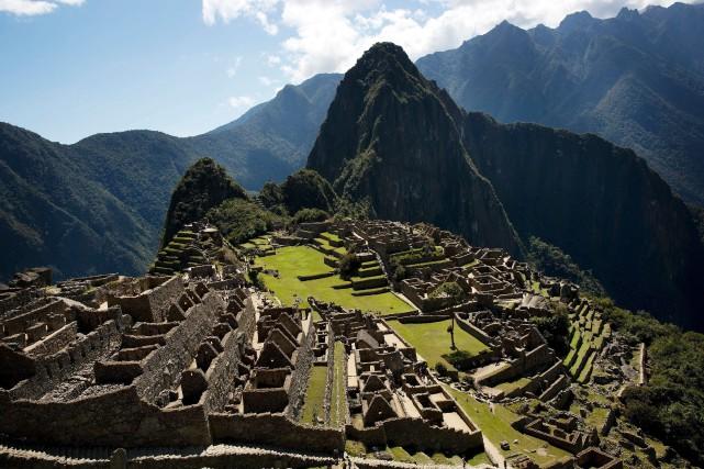 Les autorités péruviennes vont limiter l'accès des touristes à deux temples et... (PHOTO RODRIGO ABD, AP)