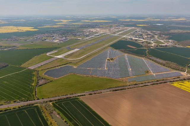 Lightsource BP est spécialisée dans le financement, le... (PHOTO HANDOUT, REUTERS)