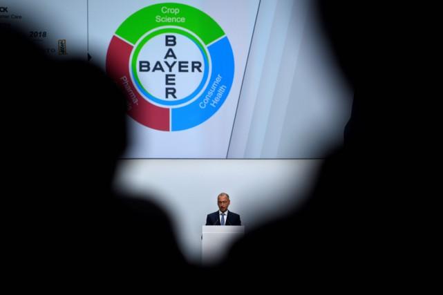 Le PDG de Bayer, Werner Baumann, a prononcé... (PHOTO INA FASSBENDER, ARCHIVES AGENCE FRANCE-PRESSE)