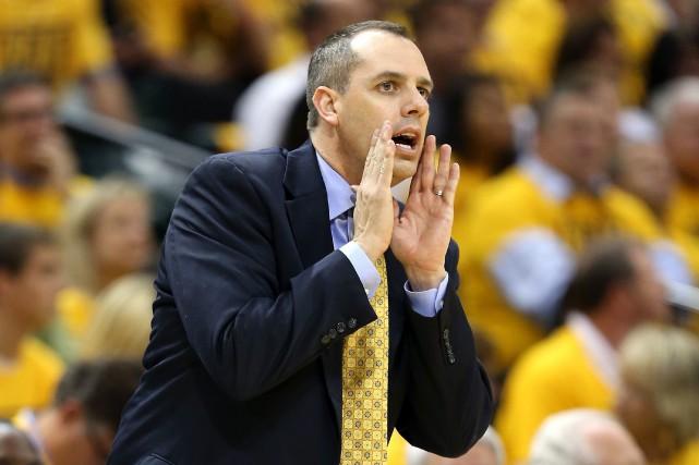 Frank Vogel sera le sixième entraîneur des Lakers... (PHOTO ANDYLYONS, AFP)