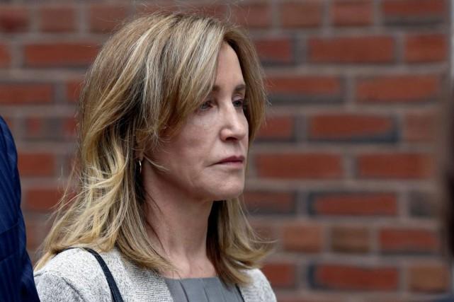 L'actrice Felicity Huffman a plaidé coupable à un... (PHOTO KATHERINE TAYLOR, REUTERS)