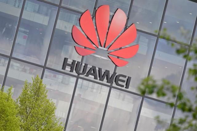 Huawei cherche depuis des mois à convaincre Ottawa... (PHOTOTOBY MELVILLE, REUTERS)