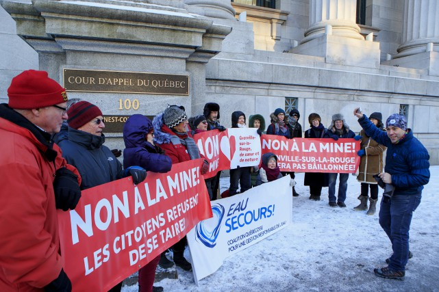 Des opposants au projet de la mine s'étaient... (PHOTO ALAIN ROBERGE, ARCHIVES LA PRESSE)