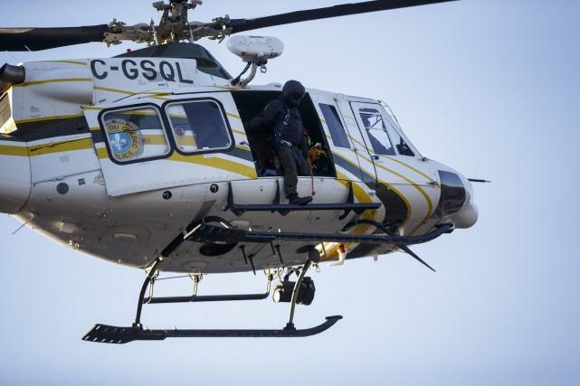 Un hélicoptère de la Sûreté du Québec en... (PHOTO OLIVIER JEAN, ARCHIVES LA PRESSE)