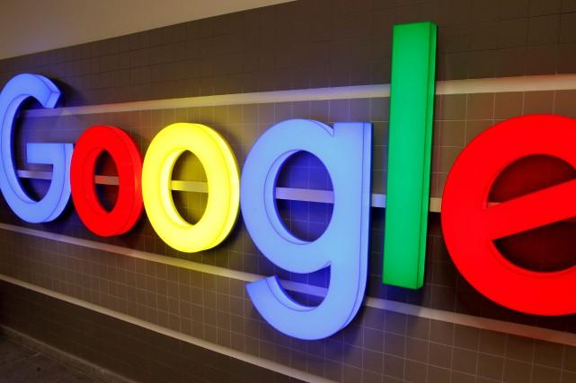 Le géant américain Google, dont le système Android équipe l'immense majorité... (PHOTO ARND WIEGMANN, REUTERS)