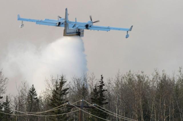 Des incendies de forêt ont provoqué des évacuations de résidences dans le nord... (PHOTO JONATHAN HAYWARD, ARCHIVES LA PRESSE CANADIENNE)