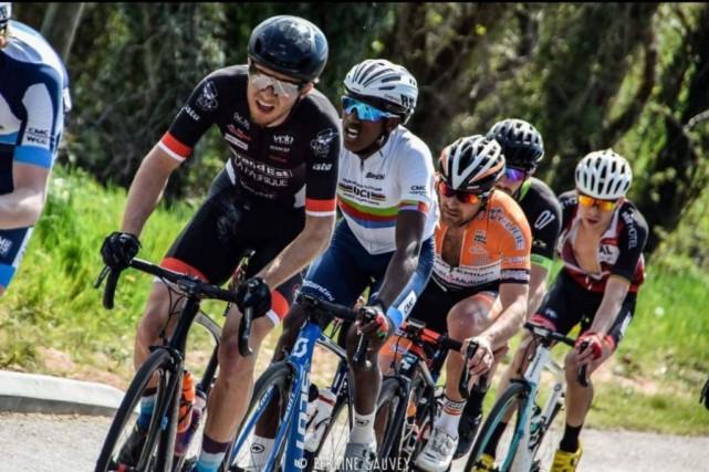 Le cycliste québécois FrancisJuneau a passé les cinq... (PHOTO FOURNIE PAR FRANCISJUNEAU)