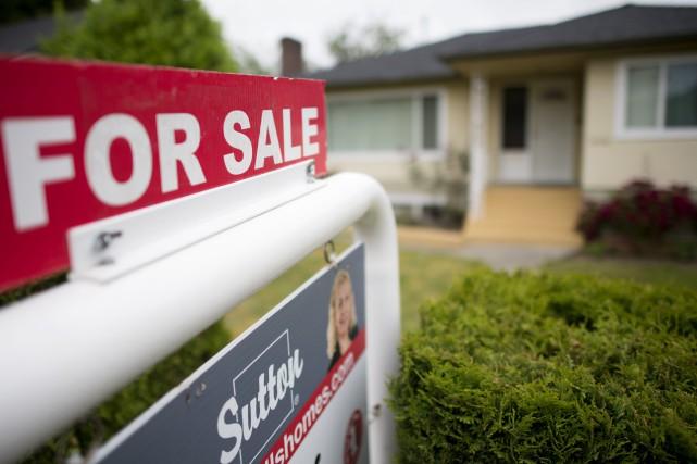 «Cela serait mal avisé, car l'endettement des ménages... (PHOTO JONATHAN HAYWARD, THE CANADIAN PRESS)