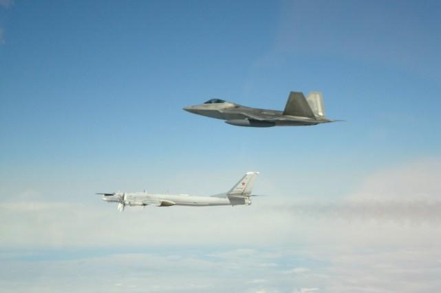 Deux bombardiers russes ont été interceptés par deux... (IMAGE FOURNIE PAR LE NORAD)