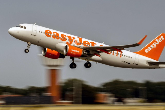 Un avion EasyJet parti de Lyon avec 150... (PHOTO AFP)