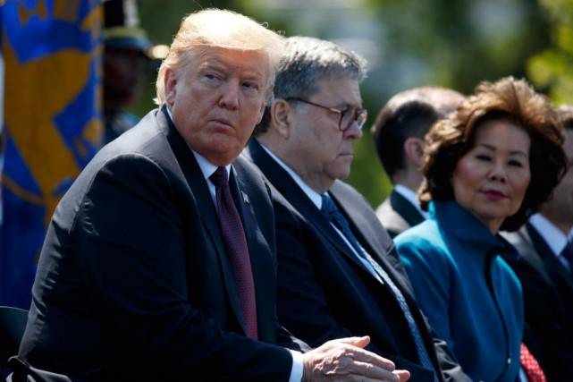 AuxÉtats-Unis, les nombreuses fausses nouvelles qui ont circulé... (PHOTO EVAN VUCCI, ASSOCIATED PRESS)