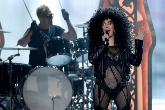 Cher a été obligée de reporter son spectacle... (PHOTO CHRIS PIZZELLO, ARCHIVES AP)
