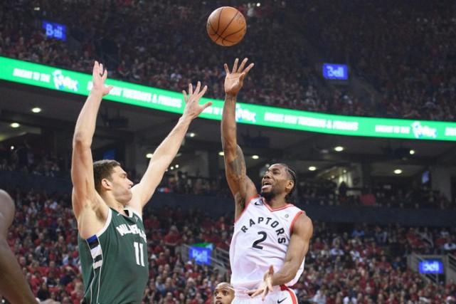 La demi-finale entre les Raptors de Toronto et... (PHOTONICK TURCHIARO, LA PRESSE CANADIENNE)