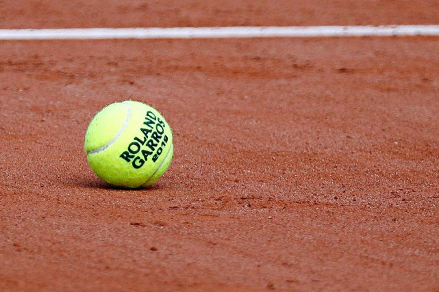Les matchs du tableau principal de Roland-Garros débutent... (PHOTO VINCENT KESSLER, REUTERS)