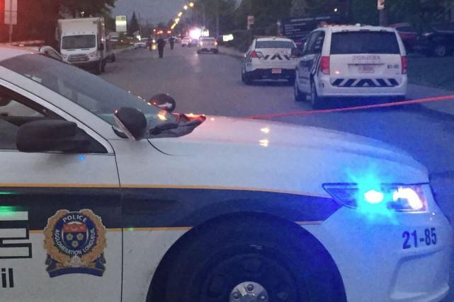Un homme est mort et un autre repose à l'hôpital dans un état critique après... (PHOTO TIRÉE DU COMPTE TWITTER DE LA POLICE DE LONGUEUIL)