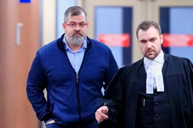 Martin Lapointe et son avocat, Me Kaven Morasse.... (PHOTO ALAIN ROBERGE, LA PRESSE)