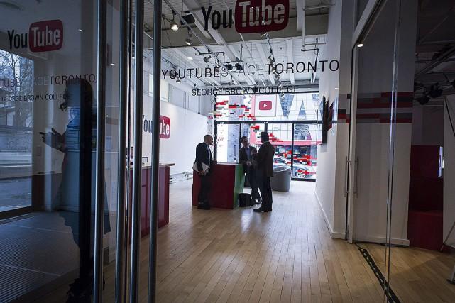 YouTube remplacera son studio de Toronto par des... (PHOTO CHRISTOPHER KATSAROV, ARCHIVES LA PRESSE CANADIENNE)