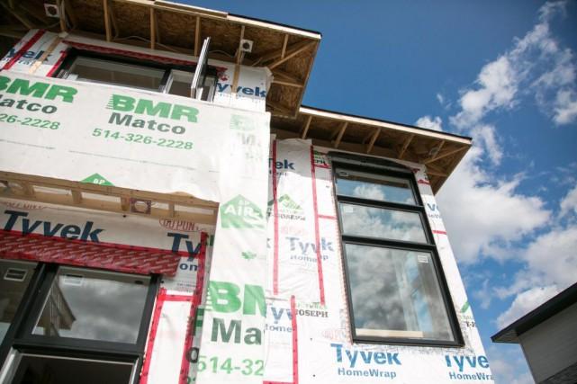 Les entreprises qui construisent une maison unifamiliale, jumelée... (PHOTO MARTIN TREMBLAY, ARCHIVES LA PRESSE)