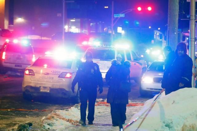 Des policiers patrouillent après l'attentat à la Grande... (PHOTO MATHIEU BÉLANGER, ARCHIVES REUTERS)